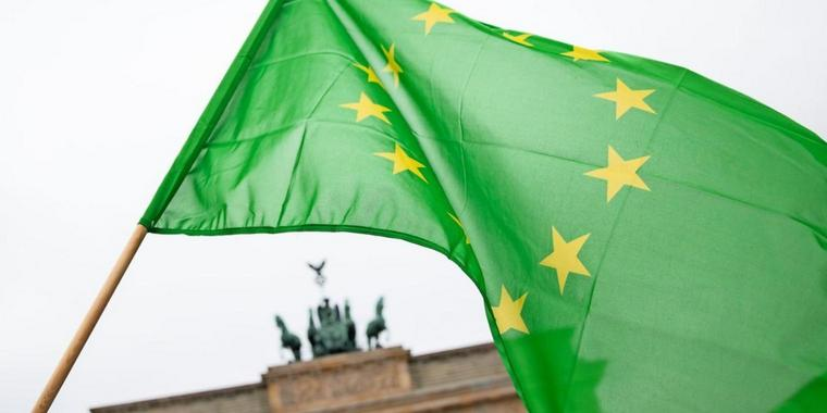 Europeista, verde, divisa