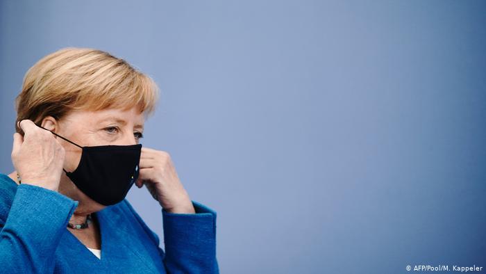 Angela Merkel – Dialogo a trevoci